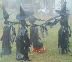 15 spooktacular outdoor halloween decorations jpg best 25 outdoor halloween ideas on pinterest outdoor halloween