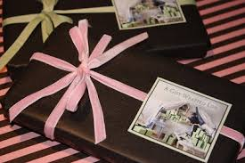 Beautifully Wrapped Gifts - a gift wrapped life gifting tips advice and inspiration july 2009