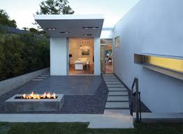 expert guide modern landscape design with fire pits
