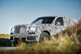 roll royce rollos rolls royce suv deliveries to kick off in early 2019