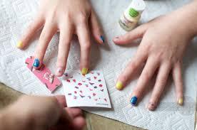 secret santa tween manicure kit with odorless nail polish