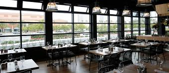 group dining at true food kitchen in newport