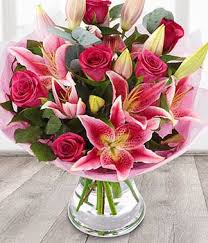 Bouquet Of Lilies Bella Pink Roses U0026 Pink Lily Send Flower Bouquets