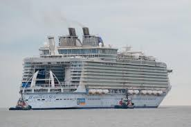 21 pics biggest cruise ship in the world harmony of the seas