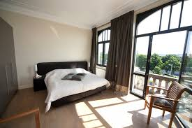 bed and breakfast with different types of rooms available rent
