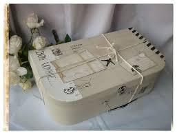 decoration table mariage theme voyage urne de mariage valise