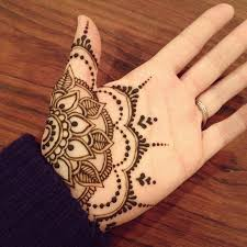 Henna Decorations Love This Pattern However Henna On Palms Seems To Fade Away Faster