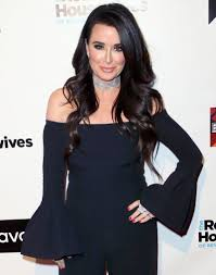 kyle richards needs to cut her hair kyle richards explains why she s moving out of beverly hills i