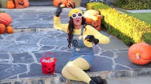 despicable me halloween costumes by bethany mota diy despicable me minion costume makeup
