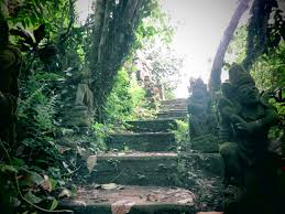 a review of hanging gardens ubud luxury resort qosy hanging gardens stone statues