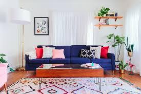 deco canapé 12 canapés colorés pour rajeunir la déco du salon bricobistro