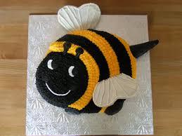 bumblebee cakes jazzed up cakes bumblebee cake