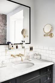 Marble Bathroom Vanity by Best 25 Vanity Backsplash Ideas On Pinterest Bathroom Renos