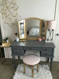 How To Paint A Vanity Top Best 25 Painted Makeup Vanity Ideas On Pinterest Diy Makeup