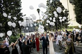 send balloons balloon wedding décor ideas 10 ways to incorporate balloons