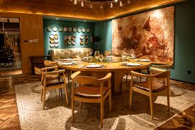6 chic restaurant design tips you can try at home interior if you walked into a restaurant and saw only empty tabletops it would feel odd take a move right out of the restaurant playbook and incorporate your