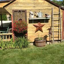 best 25 primitive garden decor ideas on country