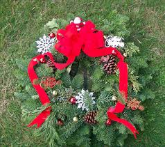Christmas Decoration For Grave by Christmas Wreath For Graves