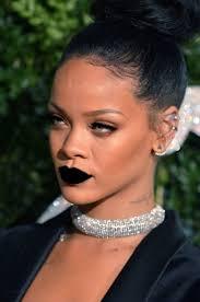 maquillage gothique homme comment porter le rouge à lèvres noir sans avoir l u0027air d u0027une