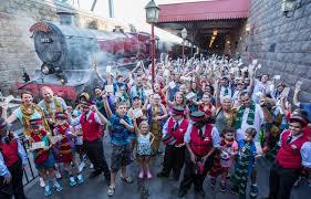 halloween horror nights express behind the thrills universal orlando celebrates 1 million riders