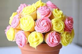 cupcake flowers recipe vanilla cupcake flower bouquet see craft