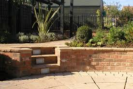how to build a low garden wall view our online tutorial