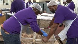 thousands in need get free feast thanks to volunteers wsb tv