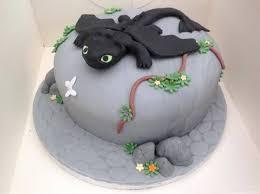 train dragon cake lisa warrant tips