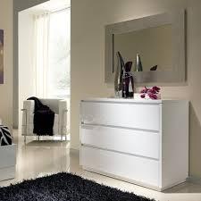 commode chambre blanc laqué commode adulte design laque blanche tobia 3 tiroirs rangement dedans