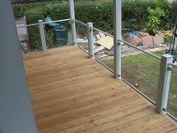 balkon dielen fliesen bodenbelag balkon holz auf dem verlegen schnelle anleitung