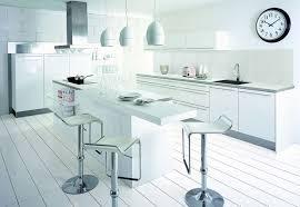 cuisine moyenne gamme cuisine blanche 13 photos de cuisinistes côté maison