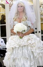 used wedding dress would you wear a used wedding dress 15 finds it s