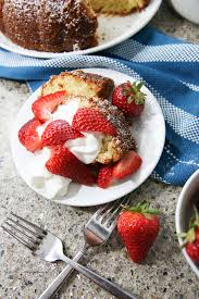 the best homemade strawberry pound cake recipe