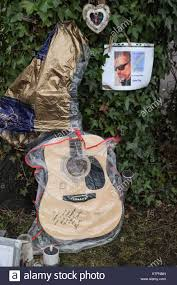 george michael home london 24th december 2017 tributes are left in the memorial garden