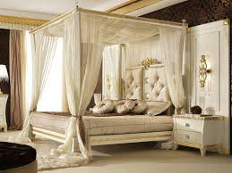 Canopy Bedroom Sets Wonderful White Canopy Bedroom Set Idea With Gold Accent Wall Lamp
