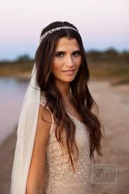 Formal Hairstyles For Medium Straight Hair by Best 25 Straight Wedding Hairstyles Ideas On Pinterest Party