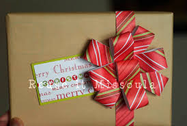 recycled christmas wrapping paper how to make recycled wrapping paper bows