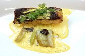 cuisiner le turbot recette de çon de turbot rôti au beurre mousseux sauce crémeuse