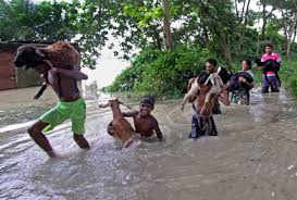 Catchy Situation Heavy Incessant Rains Trigger Flood Like Situation In Bengal The