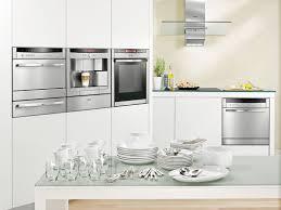 vaisselle cuisine un lave vaisselle gain de place et encastrable inspiration cuisine