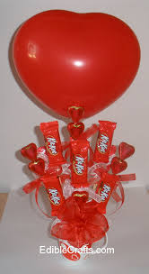 balloon and candy bouquets valentines gift ideas candy bouquet diy from ediblecrafts