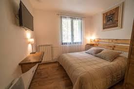 chambre d hote jausiers chalet les moineaux chambres d hôtes jausiers provence alpes côte