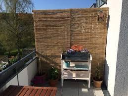 sichtschutz balkon holz pflanztisch für den balkon pflanztisch auf ideen balkon de