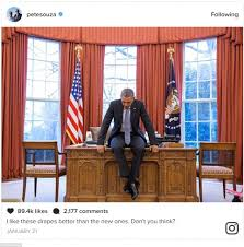 obama u0027s photographer appears to be taunting donald trump daily