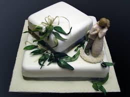wedding cake gum gum leaf wedding cake sweetpea designer cakes