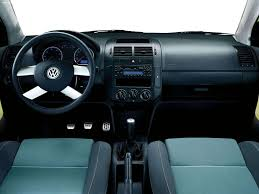 volkswagen polo interior volkswagen polo fun 2005 picture 8 of 21