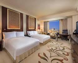 chambre d hotel dubai chambres et suites de luxe à dubaï hôtel conrad dubai
