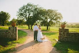 Pottery Barn Austin Texas An Elegant Ceremony For Two Becky And Austin U0027s Texas Elopement