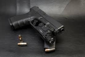 glock 19 laser light combo the benefits of having a viridian x5l gen 2 c5l laser light combo