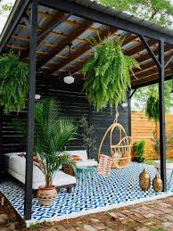 Cheap Backyard Landscaping by Best 25 Hanging Plants Outdoor Ideas On Pinterest Cheap Grow